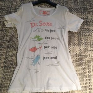 DOE Tops - Spanish Doctor Seuss Tee.